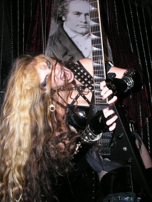 MP3 Clip of The Great Kat on CNN Radio