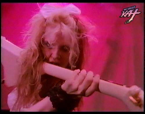 """BEETHOVEN MOSH"" MUSIC VIDEO'S GREAT KAT GUITAR LICKS!"