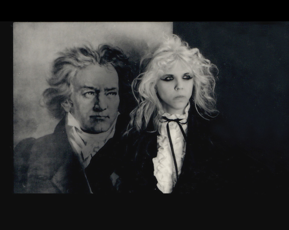 """RARE METAL HISTORY! BEETHOVEN & THE GREAT KAT SEE THE FUTURE of MUSIC: """"SHREDCLASSICAL""""!!!!"""