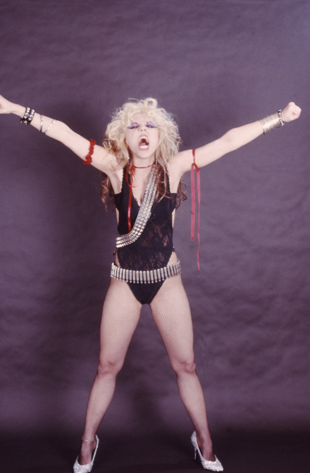 """BEETHOVEN ON SPEED"" ERA'S ""THE GREAT KAT RULES!!!"" PHOTO!"