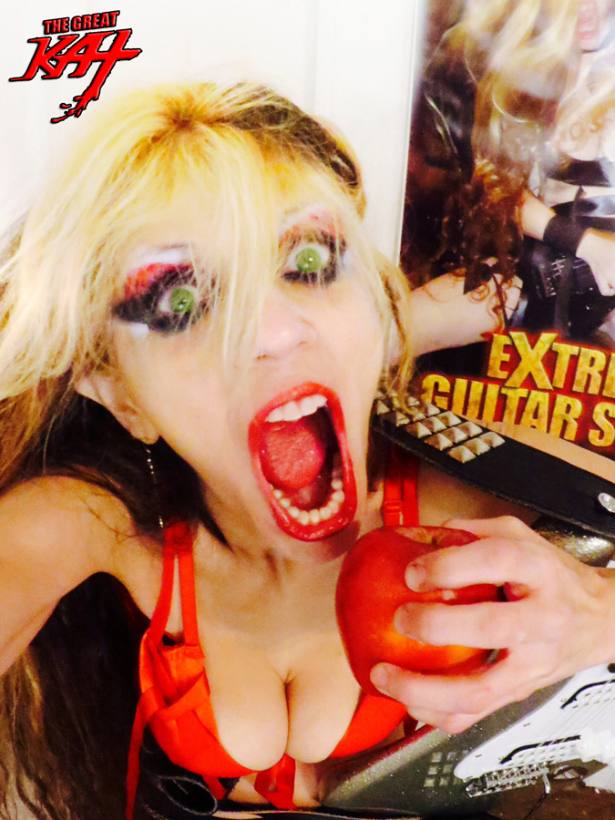 EXTREME GUITAR SHREDDING in the BIG APPLE SELFIE - THE GREAT KAT in NYC