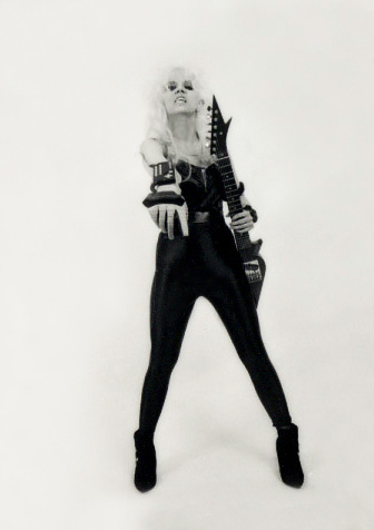 """DIGITAL BEETHOVEN ON CYBERSPEED"" ERA'S THE GREAT KAT SHREDS WITH VIRTUAL REALITY GLOVE!"