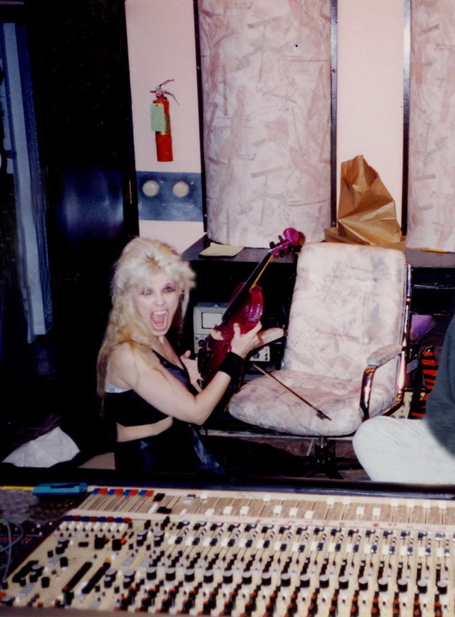 """RARE! THE GREAT KAT RECORDING VIOLIN on the HISTORIC """"DIGITAL BEETHOVEN ON CYBERSPEED"""" CD/CD-ROM!"""