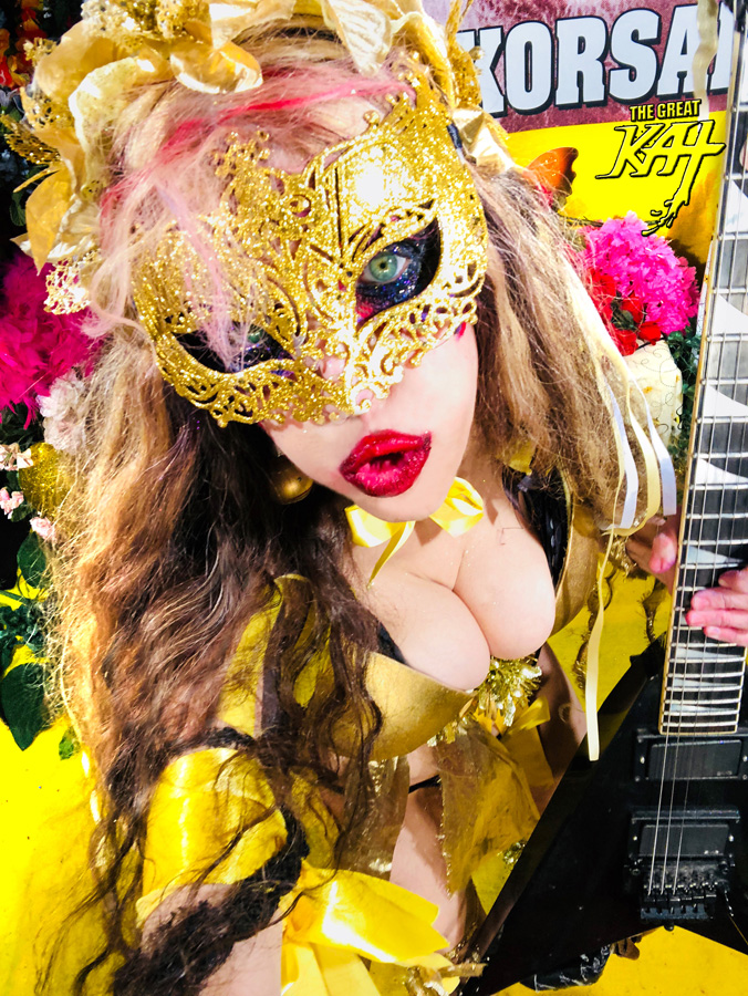 """BUMBLE-BEE SHRED BABE! From """"CHEF GREAT KAT COOKS RUSSIAN CAVIAR AND BLINI WITH RIMSKY-KORSAKOV"""" VIDEO!!"""
