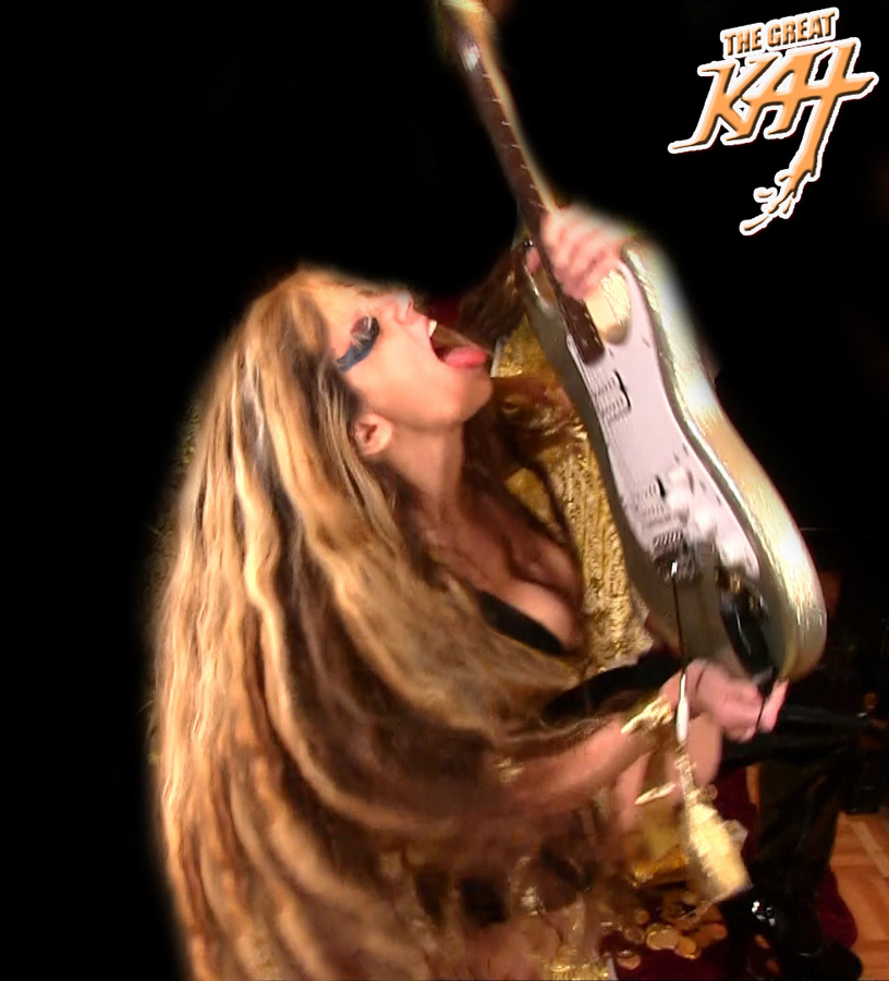 THE GREAT KAT's HOT SHRED LICKS at REHEARSAL for NEW DVD