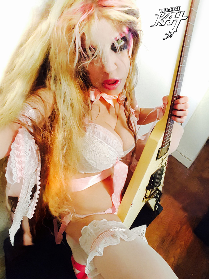 HOT! ADORABLE GREAT KAT in NYC - BIRTHPLACE of BEETHOVEN ON SPEED!