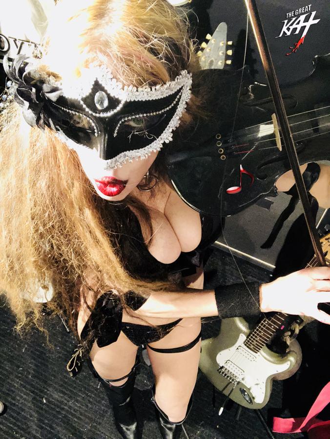 VIOLIN DOMINATION! NEW GREAT KAT CD PHOTO!