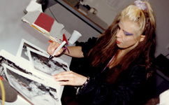 "The Great Kat Signing Autographs on the ""BEETHOVEN ON SPEED"" PROMO TOUR!"