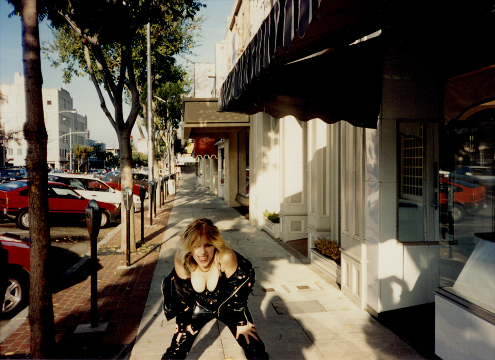 """THE GREAT KAT SHREDS THE STREETS OF SAN FRANCISCO during """"DIGITAL BEETHOVEN ON CYBERSPEED"""" CD/CD-ROM PROMO TOUR!"""