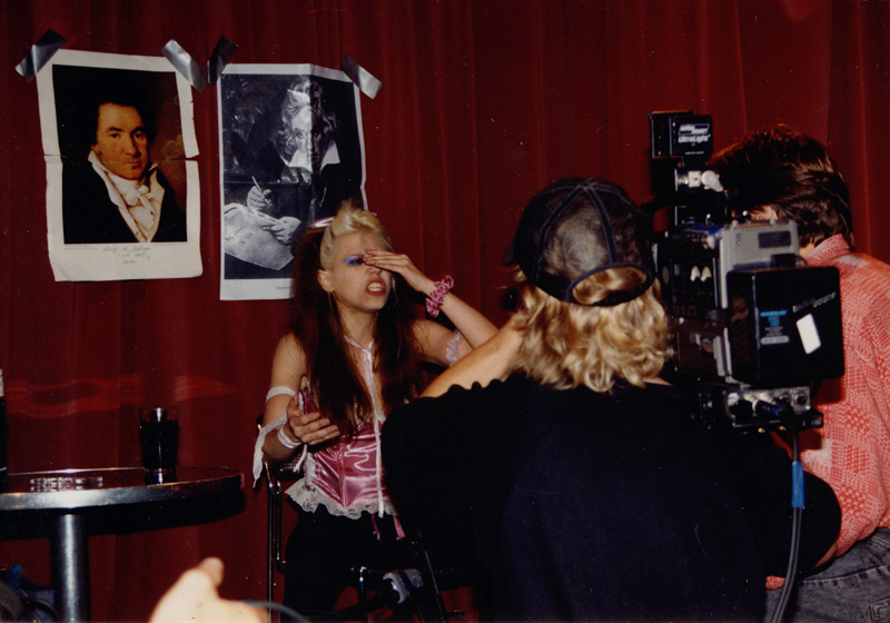 DUTCH TV SHOW (HOLLAND) INTERVIEW WITH THE GREAT KAT GUITAR GODDESS!