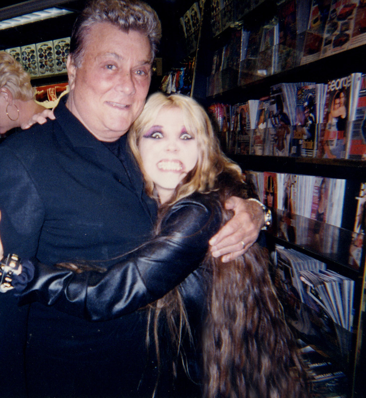 """THE GREAT KAT & GENIUS ACTOR TONY CURTIS (""""Some Like It Hot"""", """"Spartacus"""", """"The Boston Strangler"""") SHRED at CES in LAS VEGAS!"""