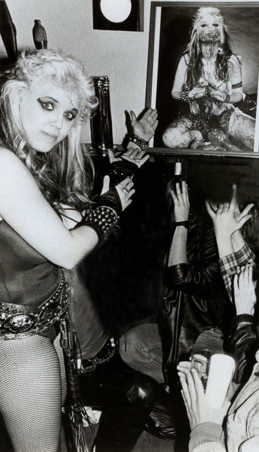 """""""WORSHIP ME OR DIE!"""" ERA'S THE GREAT KAT'S RECORD SIGNING PARTY!"""