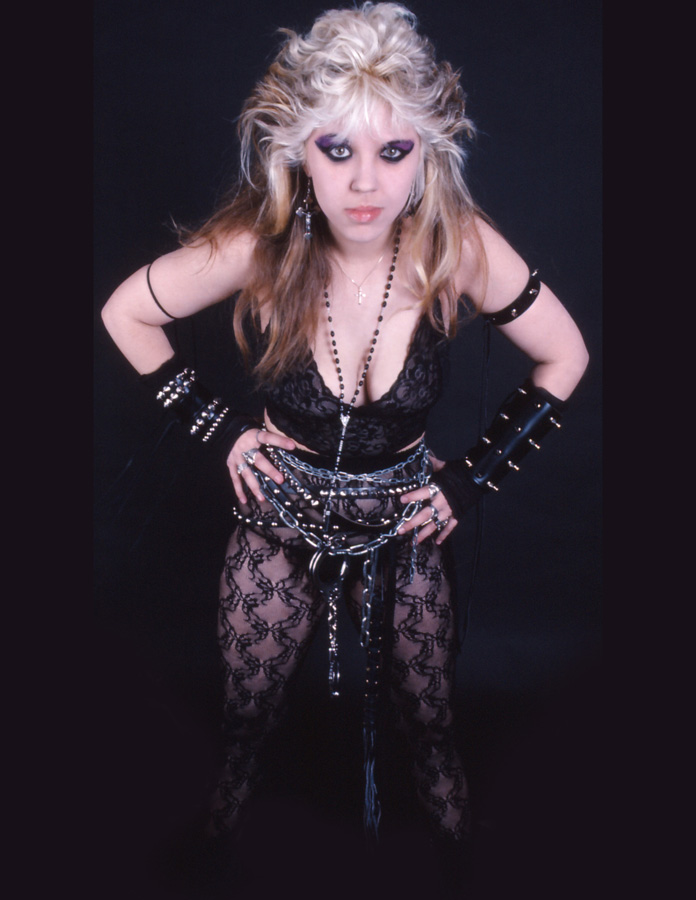 """WORSHIP ME OR DIE!"" ERA'S SWEET KAT!"