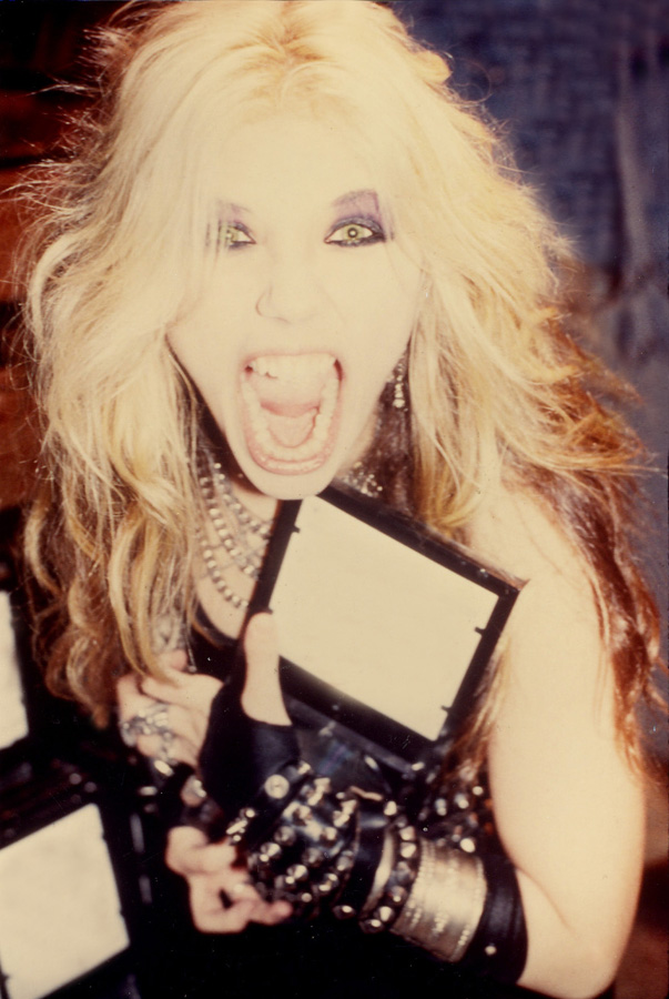 """WORSHIP ME OR DIE!"" ERA'S THE GREAT KAT THRASH QUEEN in NYC!"