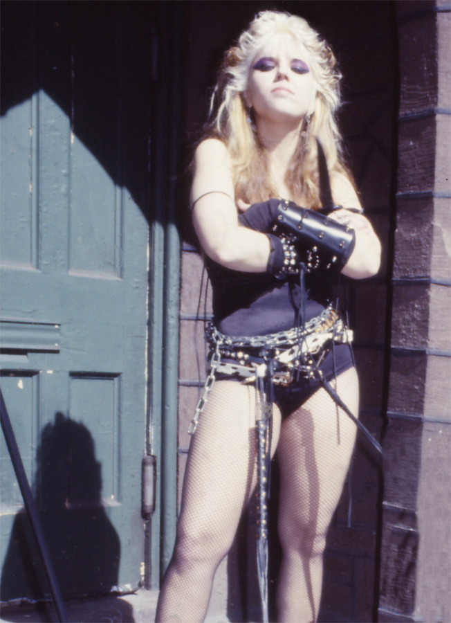 """RARE METAL HISTORY PHOTO!! """"Worship Me Or Die!"""" ERA'S BOW 4 TIMES to the GODDESS of METAL!"""