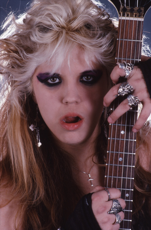 """WORSHIP ME OR DIE!"" ERA'S BABYDOLL SHREDDER Great Kat Photo!"