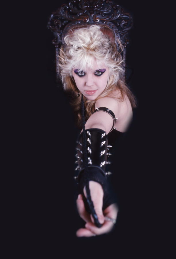 """WORSHIP ME OR DIE!"" ERA'S INNOCENT KITTY KAT WITH A WHIP!"