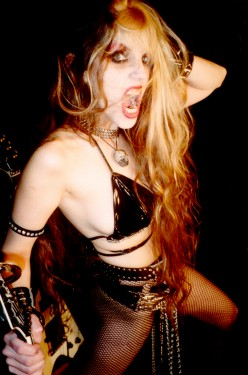 "THE GREAT KAT in EXCITE.COM's ""ENTERTAINMENT - THE BUZZ LIST DEC. 2005"""