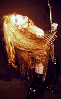 Interview with The Great Kat in METAL TEMPLE!