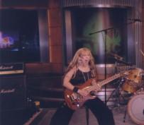 """The Great Kat in SPANISH RADIO SHOW THE NOISE HOUR!  """"THE GREAT KAT: La virtuosa guitarrista americana ha sido nombrada en el numero de marzo de la Classic Rock Magazine una de los 100 mas salvajes h�roes de la guitarra."""" -The Noise Hour Radio Show"""